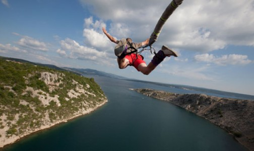 Top 20 Amazing Places to Bungee Jump