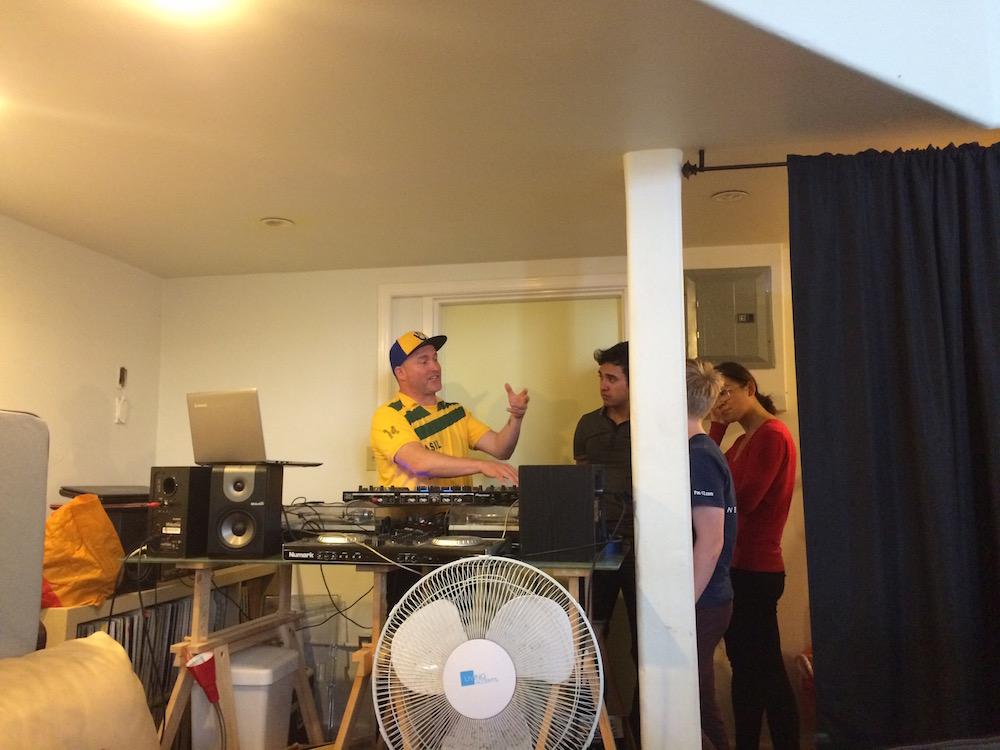 Cloud9Living DJ Lesson Washburn Studio 4